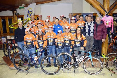Il Race Mountain Folcarelli Cycling Team si presenta